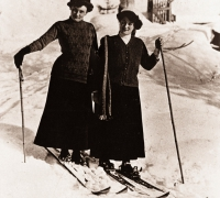First skiers in St. Anton