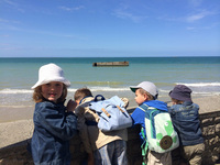 Arromanches enfants © Anais LE BOT